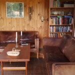 Hyggelige sofaer og gode bøger.